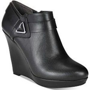 NWT Bar III TIGER2 Leather Platform Ankle Booties